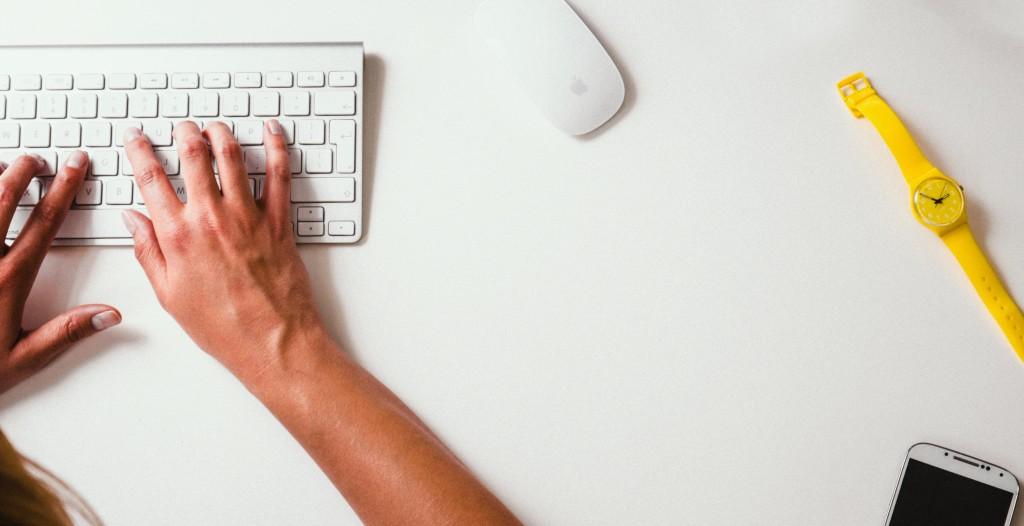searching-computer-volunteer-opportunities